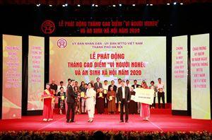Việt Phúc ủng hộ 50.000.000 hưởng ứng Hà Nội phát động Tháng cao điểm Vì người nghèo