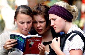 Tiếp tục gia hạn miễn thị thực nhập cảnh cho công dân 5 nước Tây Âu thêm 3 năm