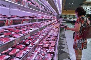 Nghịch lý, thịt lợn bình ổn giá ở siêu thị đồng loạt tăng mạnh